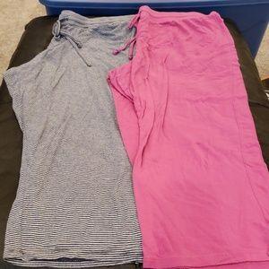 2 pirs of crop sleep pants